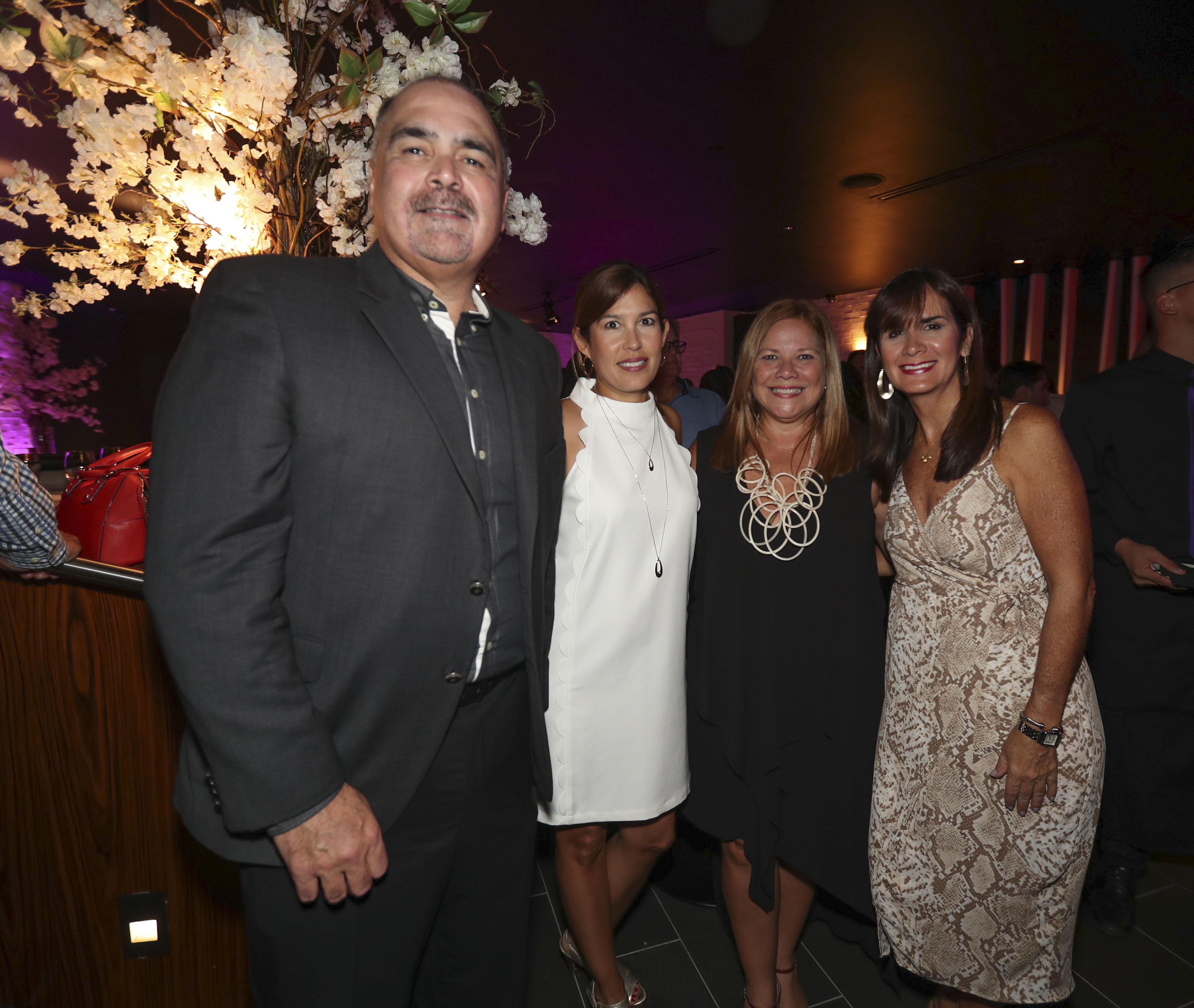 Francisco Oramas, Beatriz Vivas, Nelly Cruz y Mari Tere Cadilla. (Suministrada)
