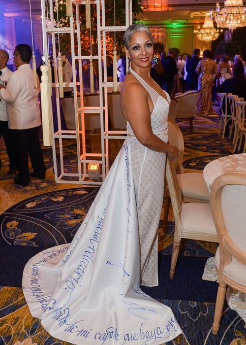 Enery Ortiz, con un vestido intervenido por el maestro Martorell.