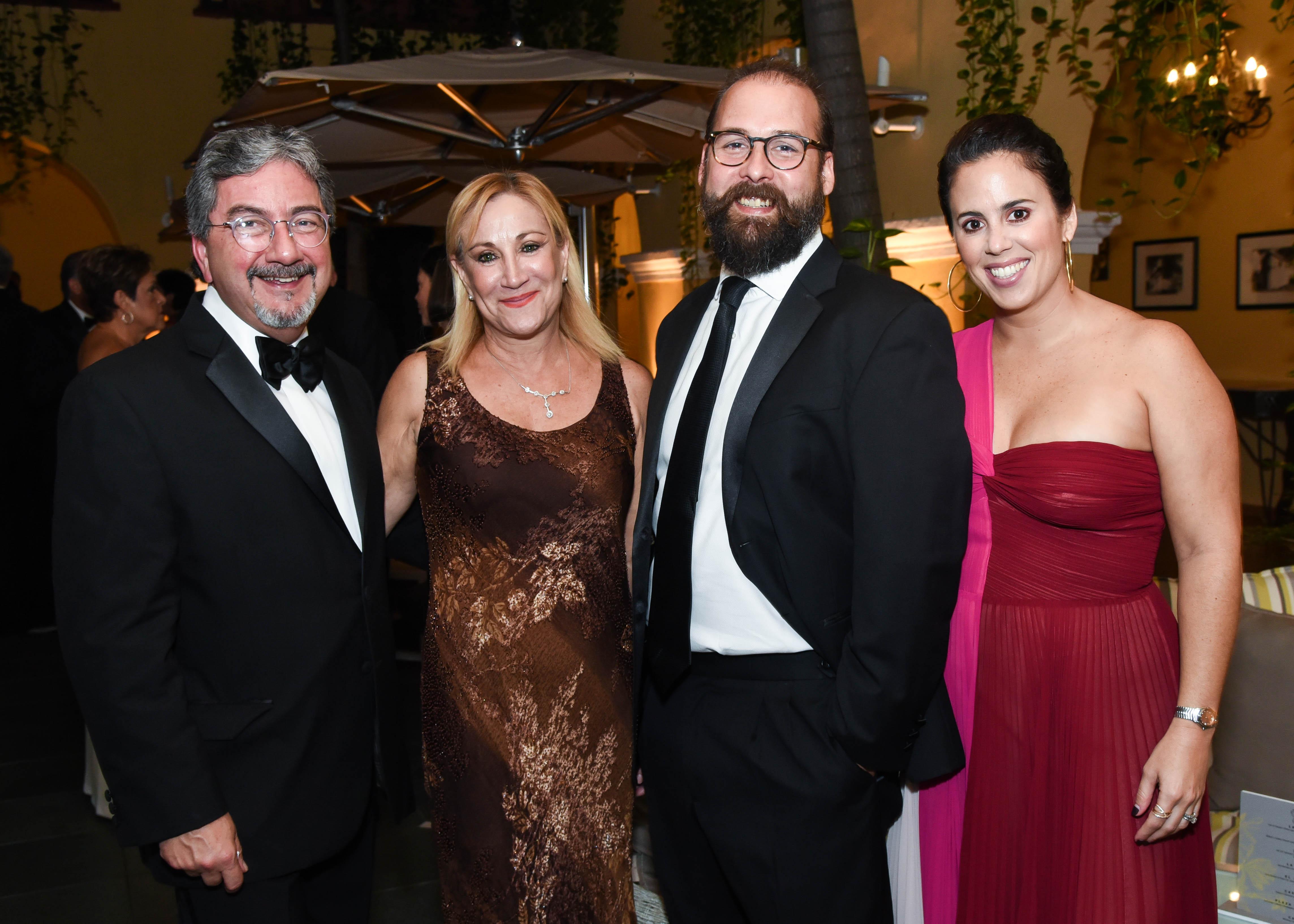 Ángel Torres, Vivian Torres, Edwin Pérez y Laura Rexach. (Enid M. Salgado Mercado)