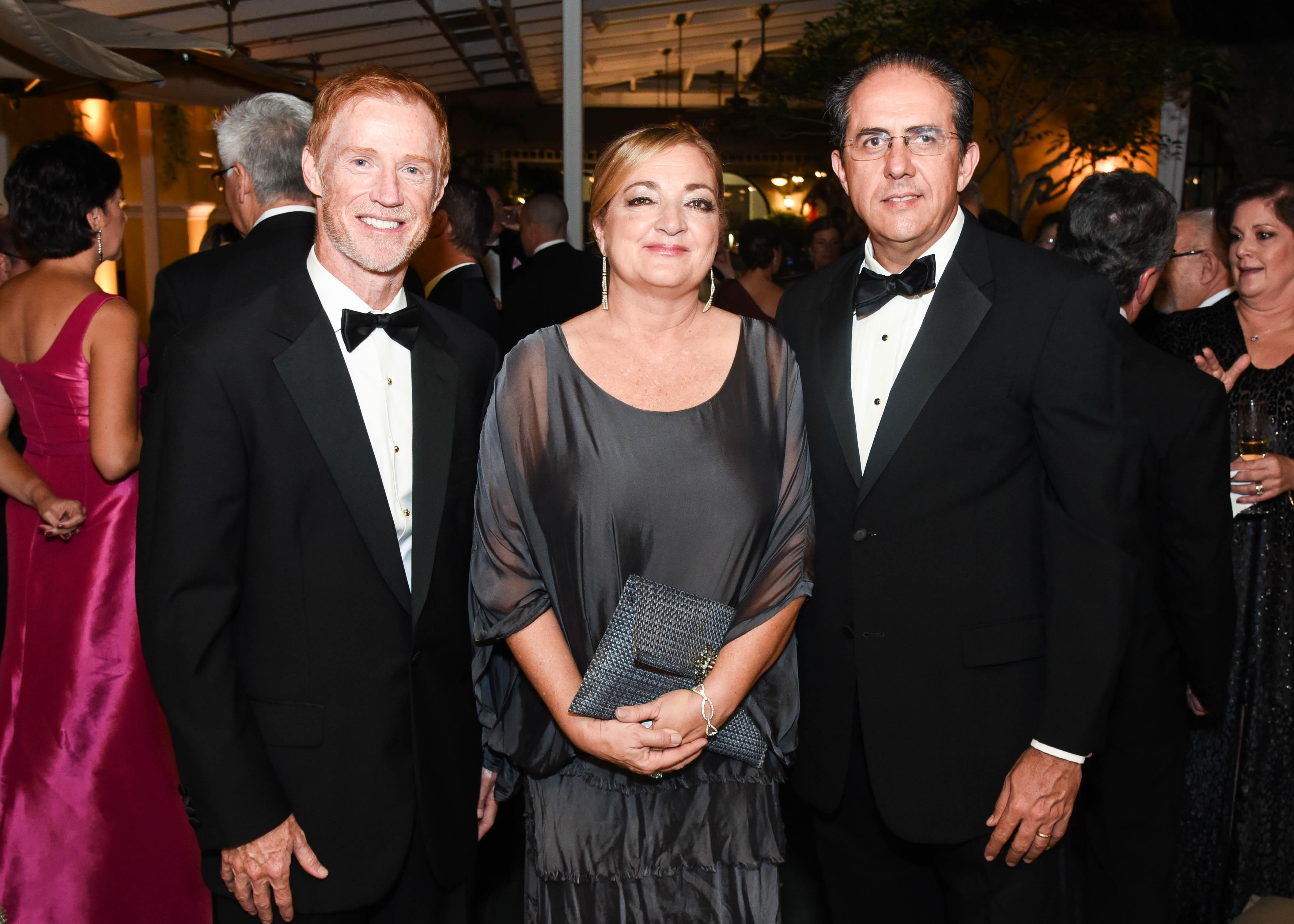 Michael McDonald, Soledad Reichard y Eduardo Negrón. (Enid M. Salgado Mercado)