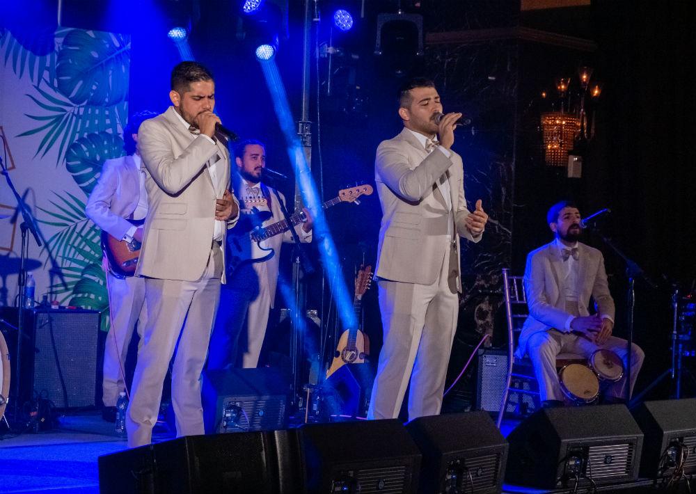 Los Rivera Destino amenizaron parte de la noche. (Ricky Reyes/ Especial para Magacín)