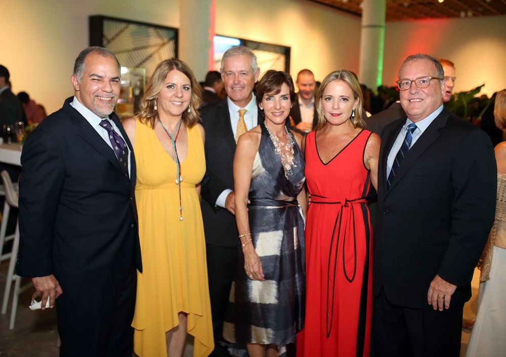Miguel Soto, Michelle Sugden, Javier Ferrer, Blanca Pujals, Cristina Fierres y Juan Mario Álvarez. (Foto: José R. Pérez Centeno)