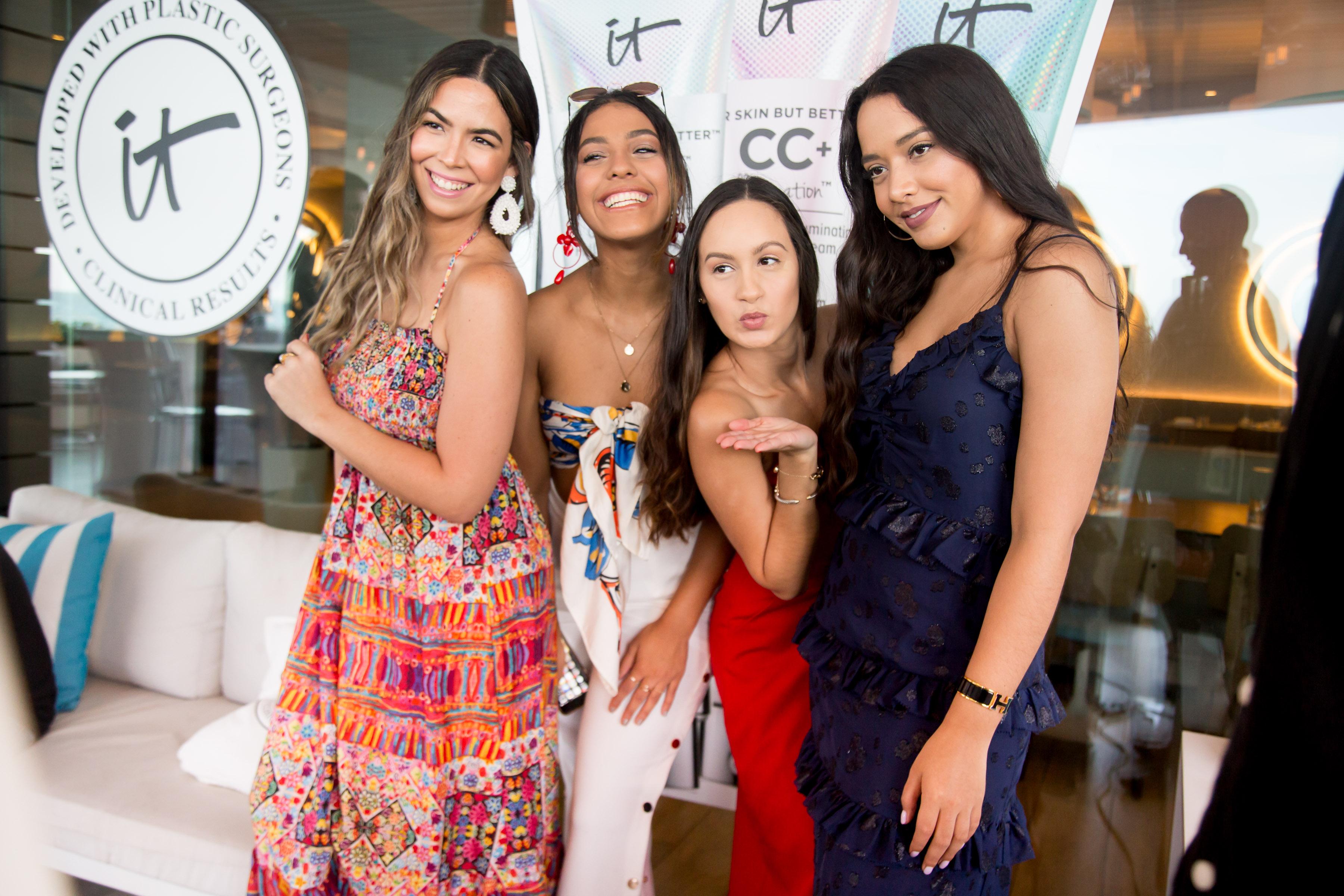 Génesis Walker, Julliana Hernández, Elba García y Jadiena Díaz.