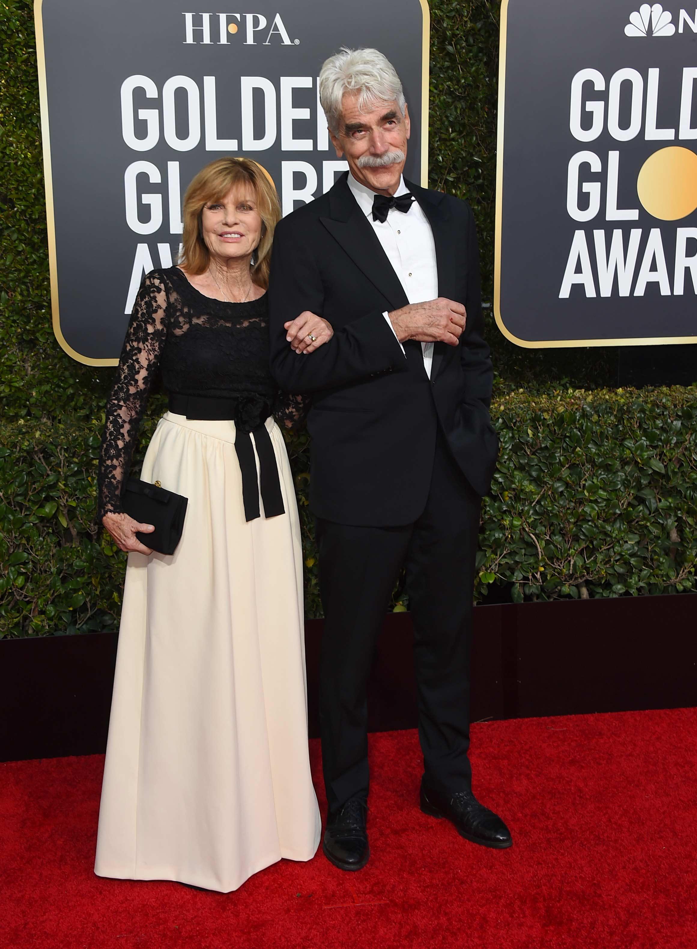 Katharine Ross y Sam Elliott llevan 35 años de casados y demostraron el amor que se tienen en la alfombra roja de los Golden Globe 2019. (Foto: AP)