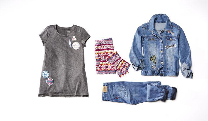 Jacket, suéter y leggins de Epic Threads y mahones Levi's todo de Macy's.