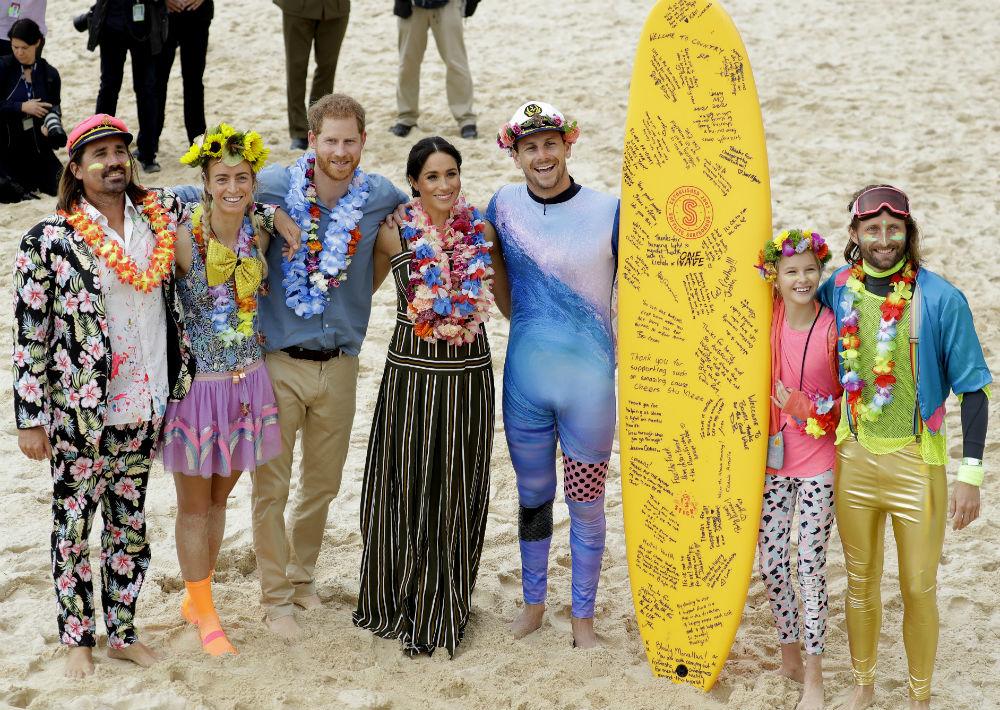 El divertido encuentro es parte de la misión del grupo de concienciar sobre la salud mental y bienestar. (AP Photo/Kirsty Wigglesworth)