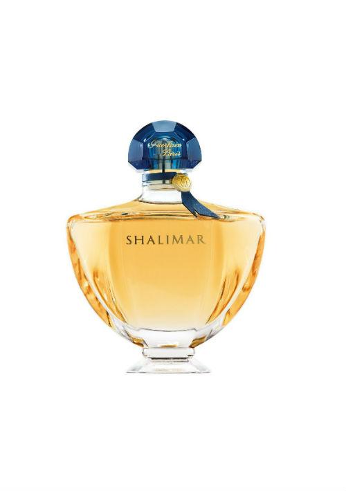 Shalimar de Guerlain – Fue creado por Jacques Guerlain en el 1925 y está situada dentro de la familia de los aromas orientales, lo que la hace fuerte e imposible de pasar desapercibida. (Foto: Archivo)