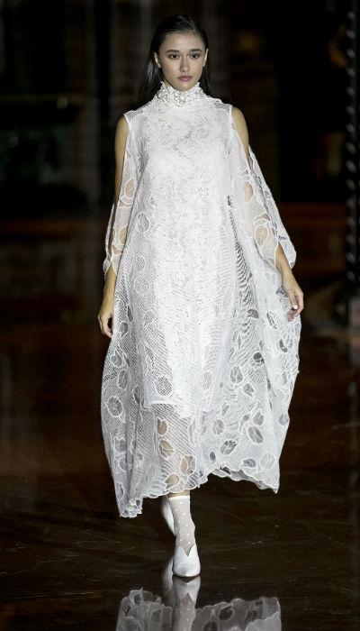 Para la primavera-verano 2019, Arango apuesta a siluetas holgadas y telas ricas en detalles cuando se trata de vestidos y faldas. (Xavier García / Especial GFRMedia)