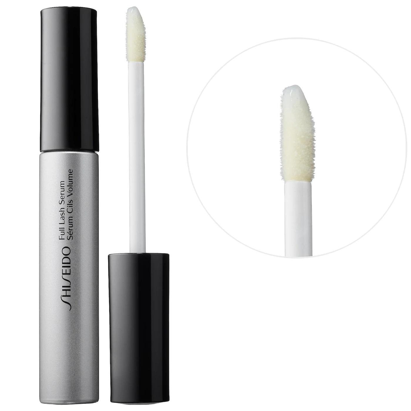 Un producto hidratante para el área. Prueba el Shiseido Full Lash and Brow Serum, disponible en Sephora. (Suministrada)