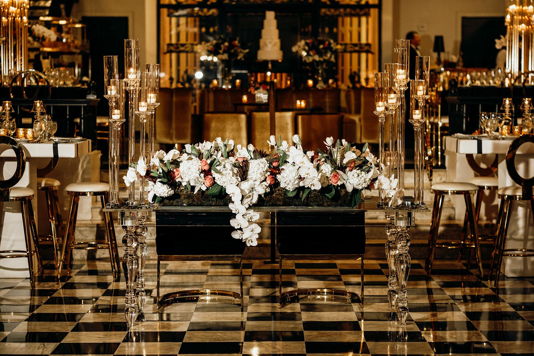 Detalle de la elegante mesa de los novios, preparada por Akua. Foto Esteban Daniel Photography