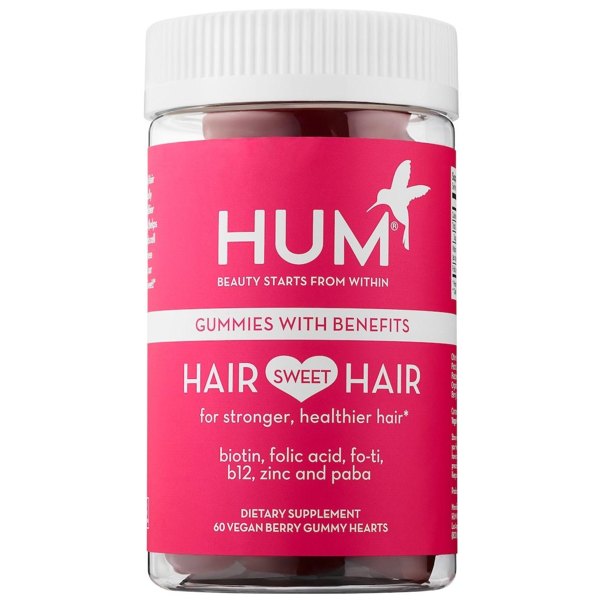 Hair Sweet Hair Growth – Se trata de un suplemento vitamínico de HUM Nutrition en forma de gomitas de dulce en forma de corazón. Cuanta con una combinación de nutrientes clínicamente investigados para un cabello más fuerte y saludable que incluye biotina, zinc, B12, PABA (para realzar el color del cabello), ácido fólico y Fo-Ti. Consíguelas en Sephora. (Suministrada)