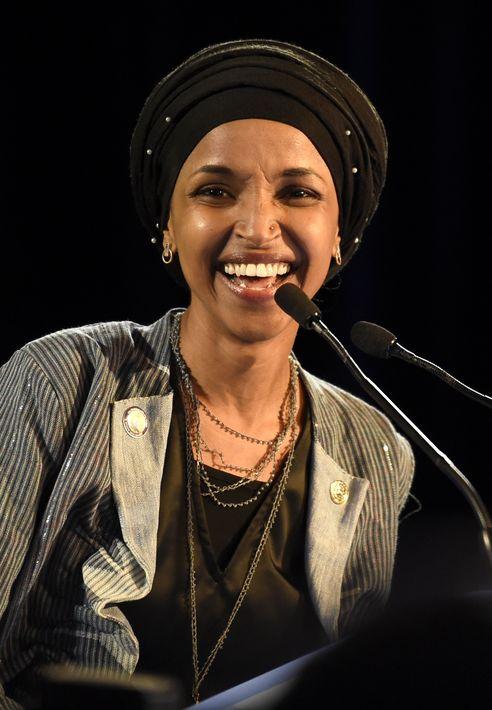 Ilhan Omar - Demócrata de 36 años, nacida en Somalia en 1981es una de las dos primeras musulmanas en ser electas al congreso por Minnesota. (Foto: AP)