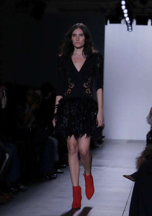 En la colección, Nolasco también incluyó vestidos de cóctel. (Foto: Suministrada)
