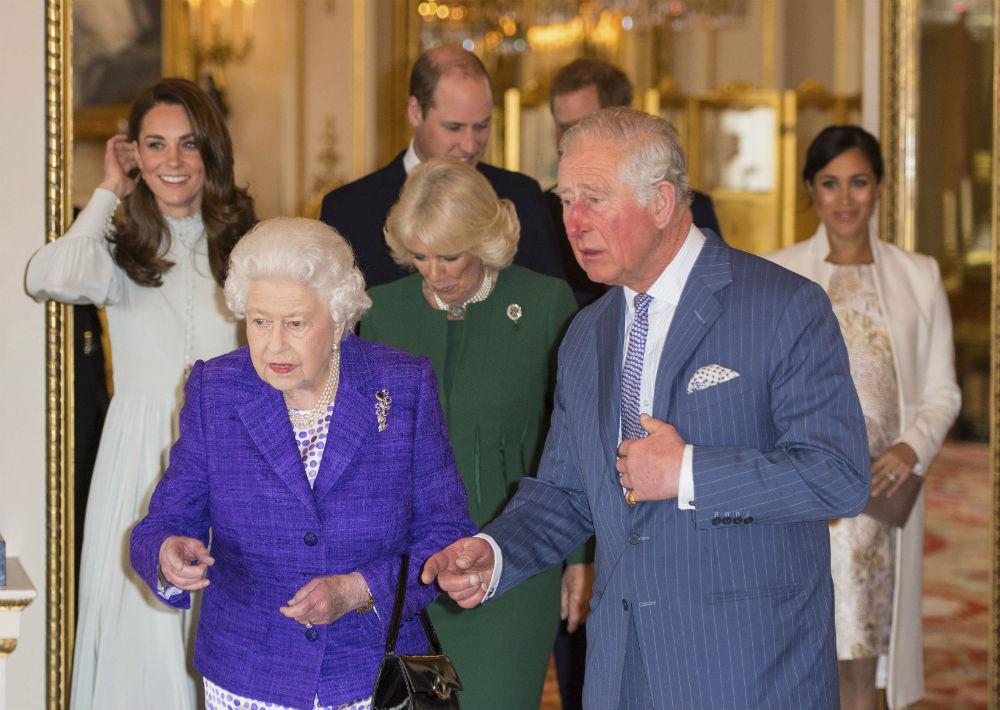 Los miembros de la realeza británica se reunieron para celebrar el 50 aniversario de la investidura del príncipe Charles como príncipe de Gales. (AP)