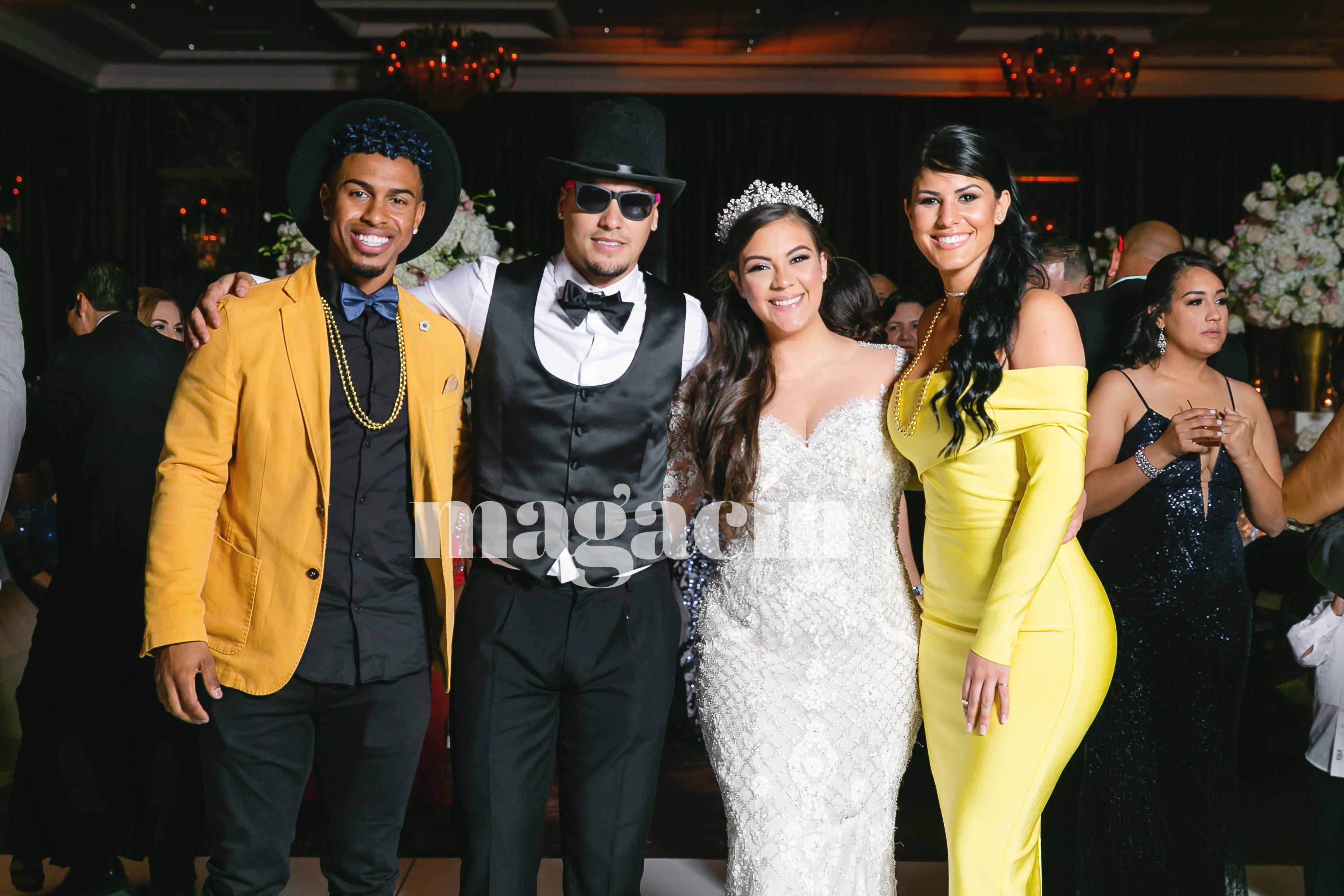 Báez y Márquez junto al astro de los Indios de Cleveland Francisco Lindor y su novia, Nilmarie Huertas. (Suministrada/ Claudette Montero)