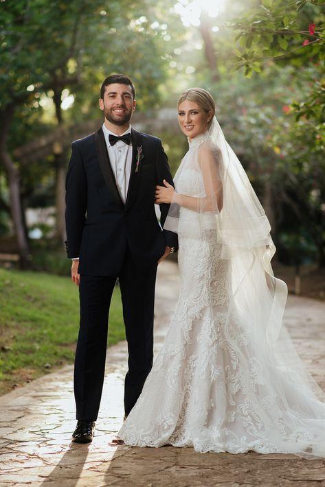 Vestido de la novia: D'Royal Bride  |  Atuendo del novio:  Leonardo's