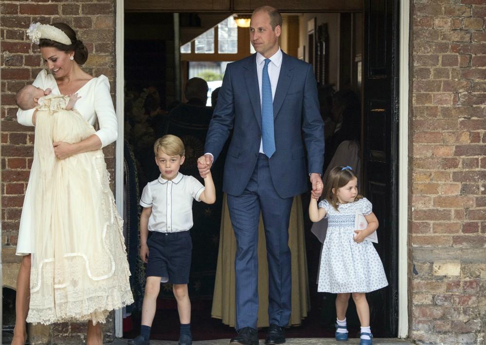 Al término de la ceremonia, los duques de Cambridge ofrecieron una íntima recepción en la Clarence House. (Foto: AP)