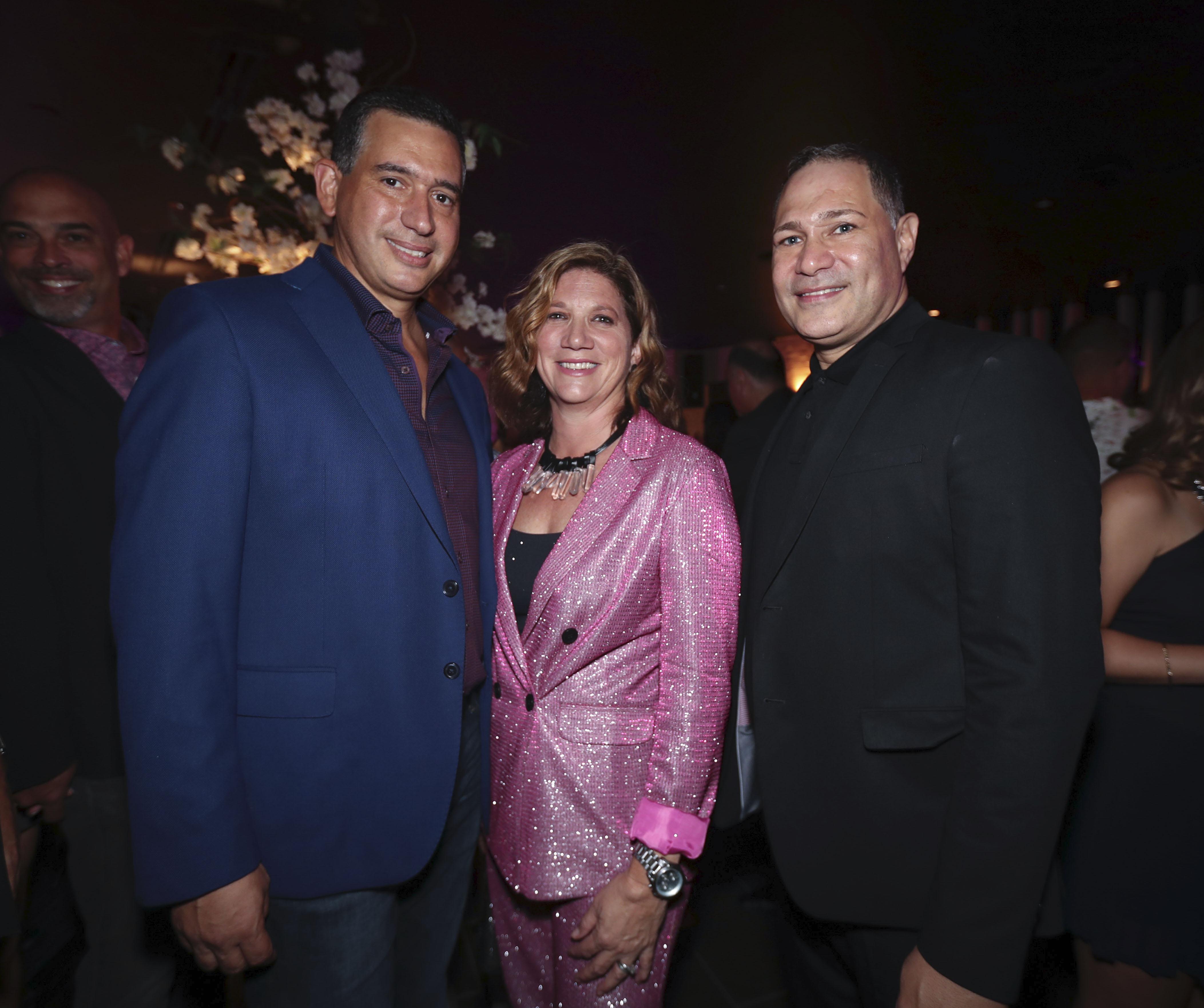 José M. Suárez, Rita Garay y Ricky Díaz. (Suministrada)