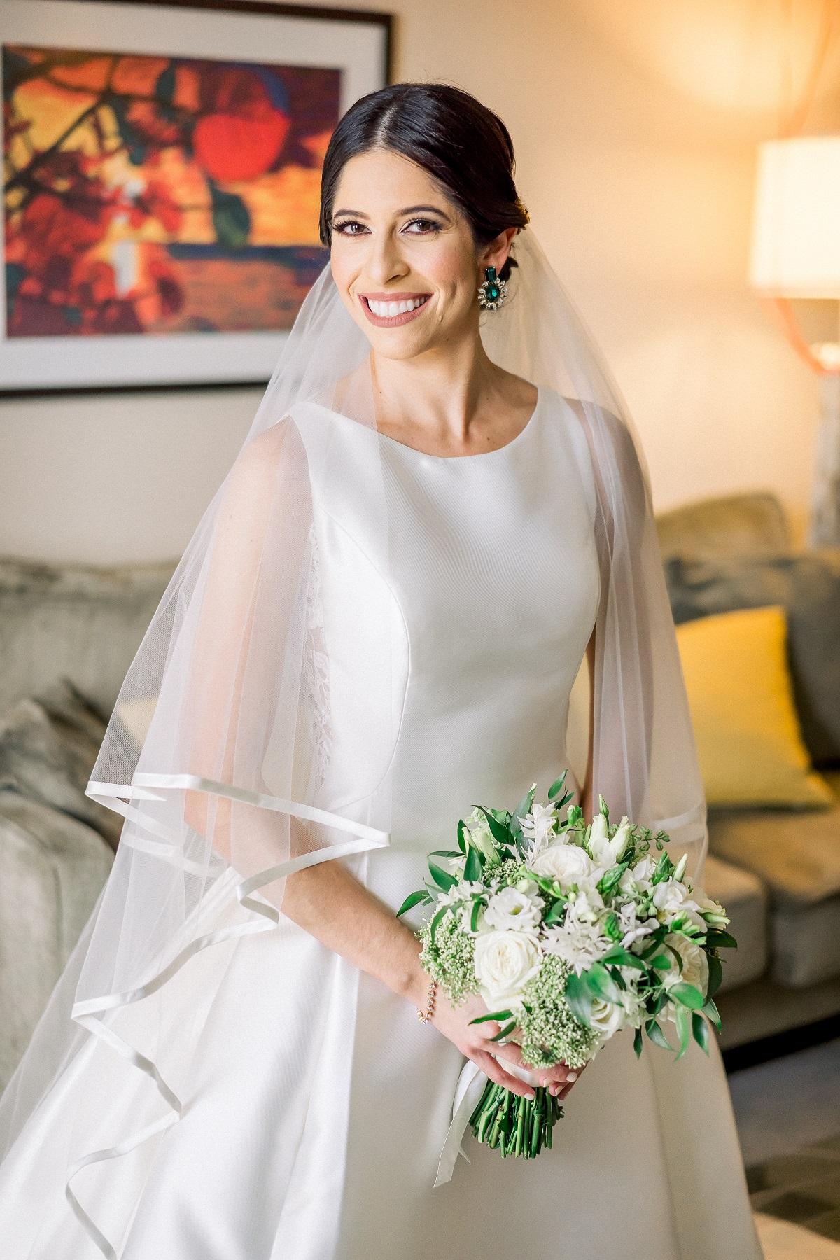 Traje de la novia: D'Royal Bride. Maquillaje y peinado: Adriel Ortiz (José Ruiz)