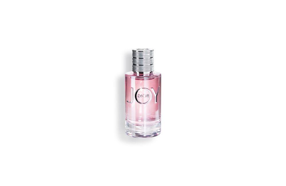 Joy - Dior presenta esta nueva fragancia de la mano de François Demachy, el perfumista exclusivo de la casa de moda y belleza. La fragancia arranca con la cáscara de bergamota y la mandarina que explotan al unísono con las flores. La rosa, el jazmín, el sándalo sostenido se unen a una pizca de cedro y una gota de pachulí y almizcles para redondear lo que se espera sea uno de los aromas más populares del otoño. (Foto: Suministrada)