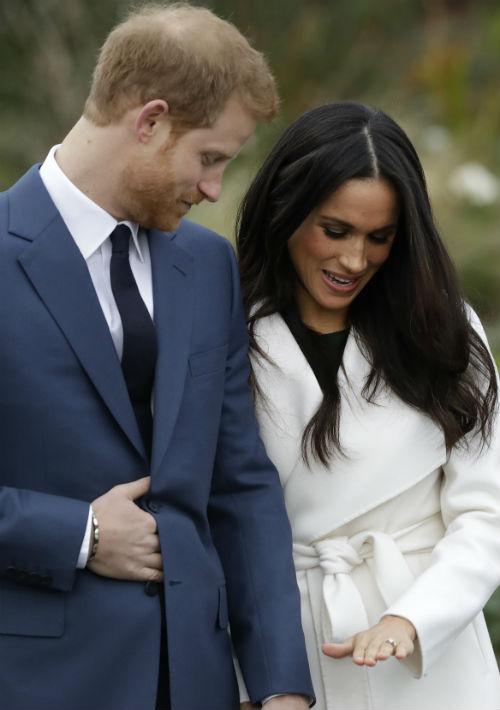 De algunas formas, Markle es un sorpresivo nuevo elemento de la monarquía británica: es hija de una mujer de raza negra y padre blanco, creció en California, es divorciada y trabaja como actriz de tiempo completo. (AP)