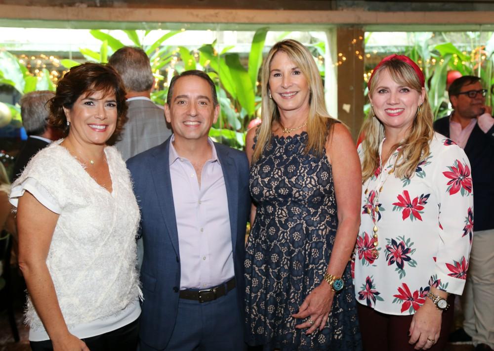 Maria Eugenia Ferré, Carlos Moreno, Tere Guerrero y Michelle Maranges. (Nichole Saldarriaga)