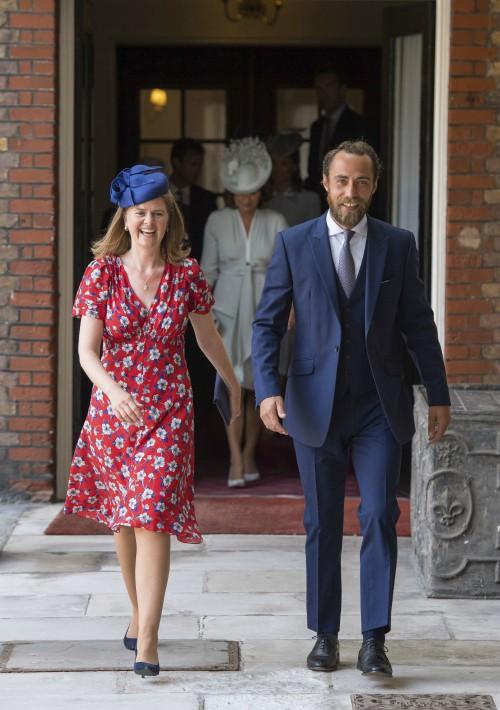 James Middleton llega a la ceremonia del bautizo de su sobrino e hijo menor de los duques de Cambridge. (Foto: AP)