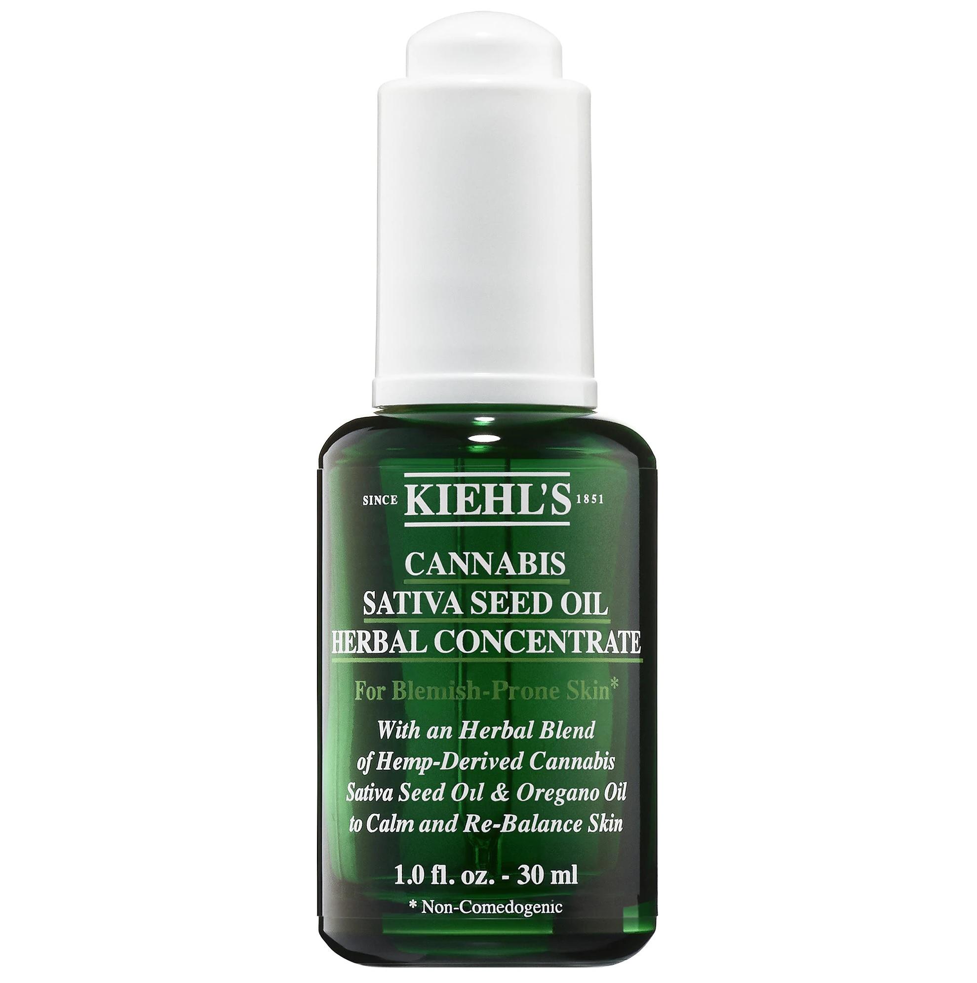 Kiehl's Since 1851 Cannabis Sativa Seed Oil Herbal Concentrate es un aceite facial de concentrado de hierbas ligero, no comedogénico, con aceite de semilla de cannabis sativa derivado del cáñamo que calma la piel y reduce el enrojecimiento. (Suministrada)