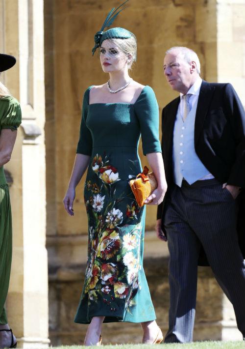 Lady Kitty Spencer usó un vestido verde con detalles florales, de Dolce & Gabbana. (AP)