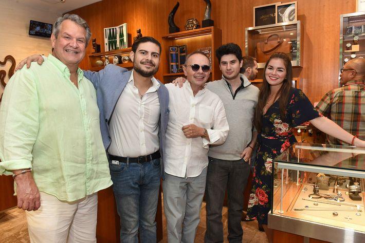 Miguel Mihaljevich, Francisco López, José Muñoz, Sebastián Muñoz y Adriana Pacheco.