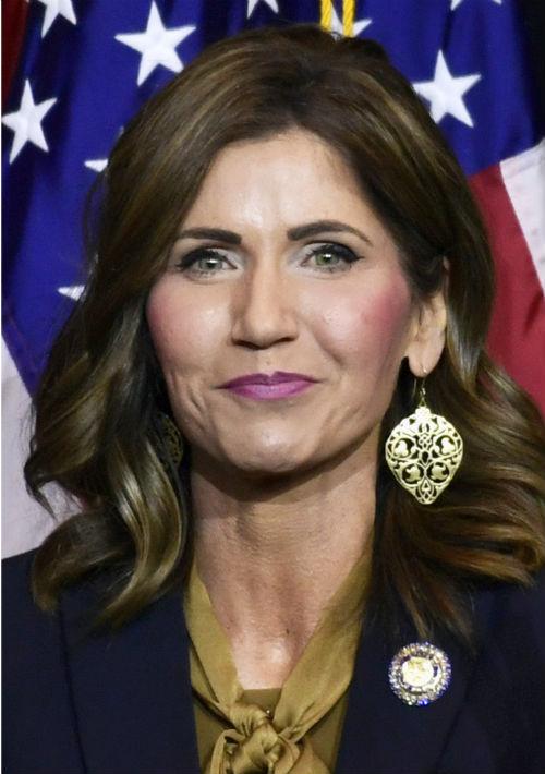 Kristi Noem – La republicana es la primera gobernadora del estado de Dakota del Sur. La republicana venció al candidato demócrata, Billie Sutton. (Foto: AP)
