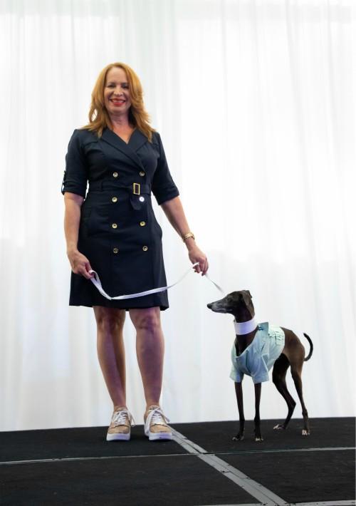 """Carmen Sierra y Deniro durante el lanzamiento del programa para perros viajeros de La Concha: """"VIP"""", Very Important Pet. (Suministrada)"""