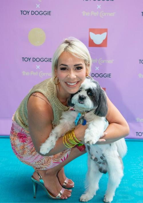 Michelle Guiot y su perro. (Suministrada)