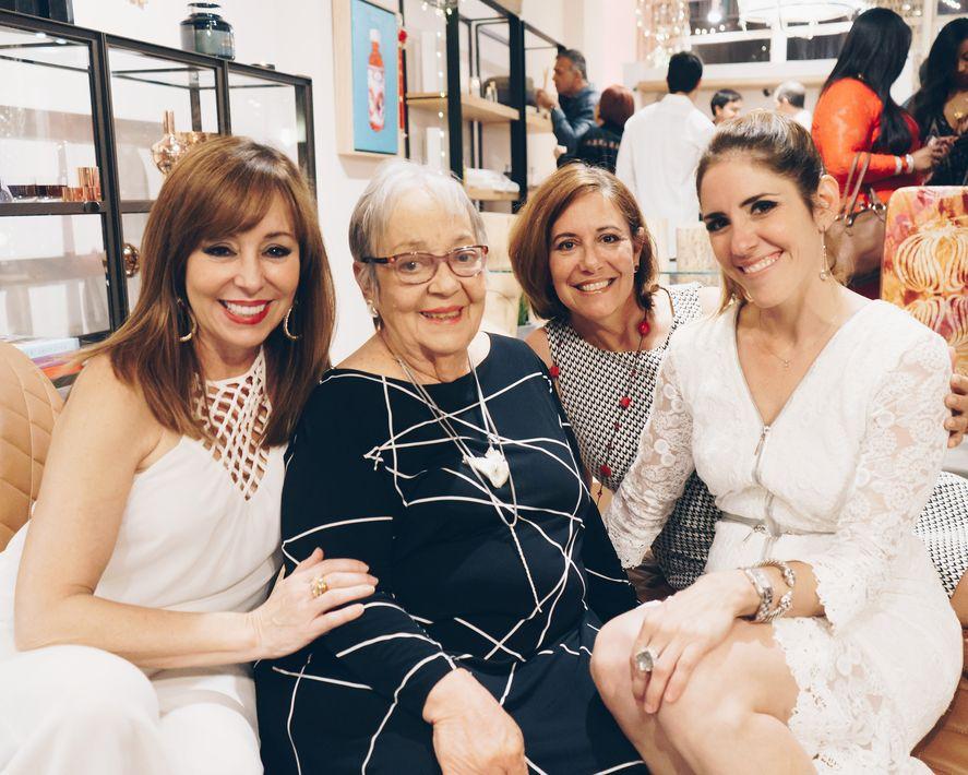 Cordelia González, Cordelia Buitrago, Ivette González y Lulu Puras. (Foto: Suministrada)