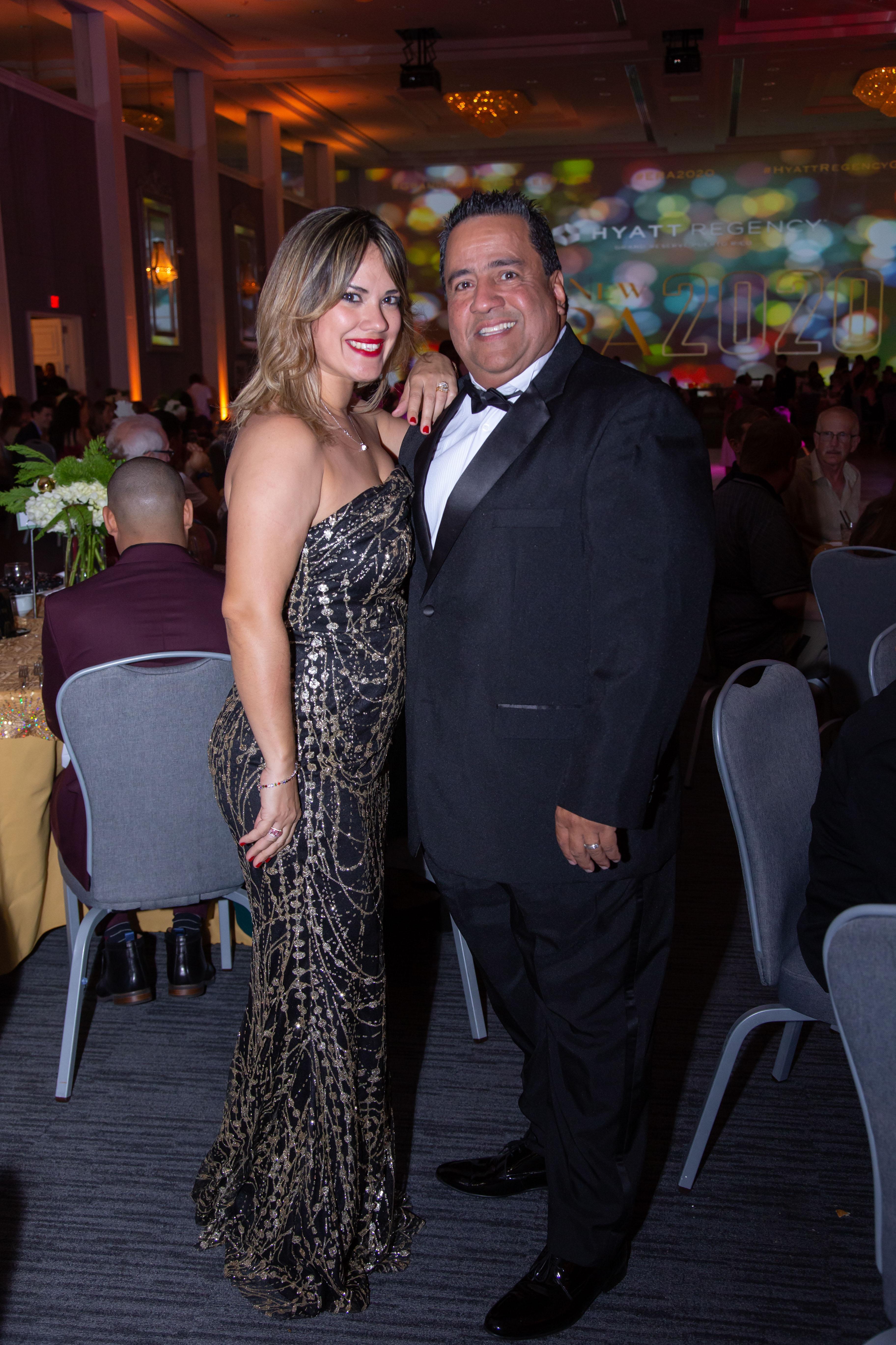 Luis R. Rivera y esposa. (Suministrada)