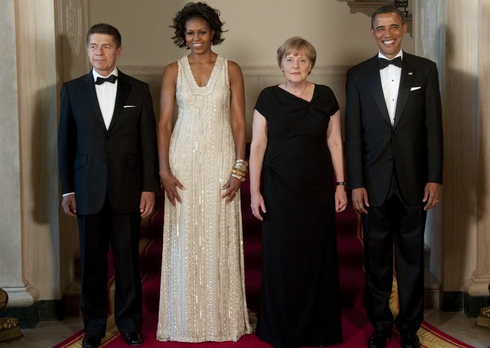 En junio del mismo año asistió a una cena ofrecida en honor a la canciller Angela Merkel.