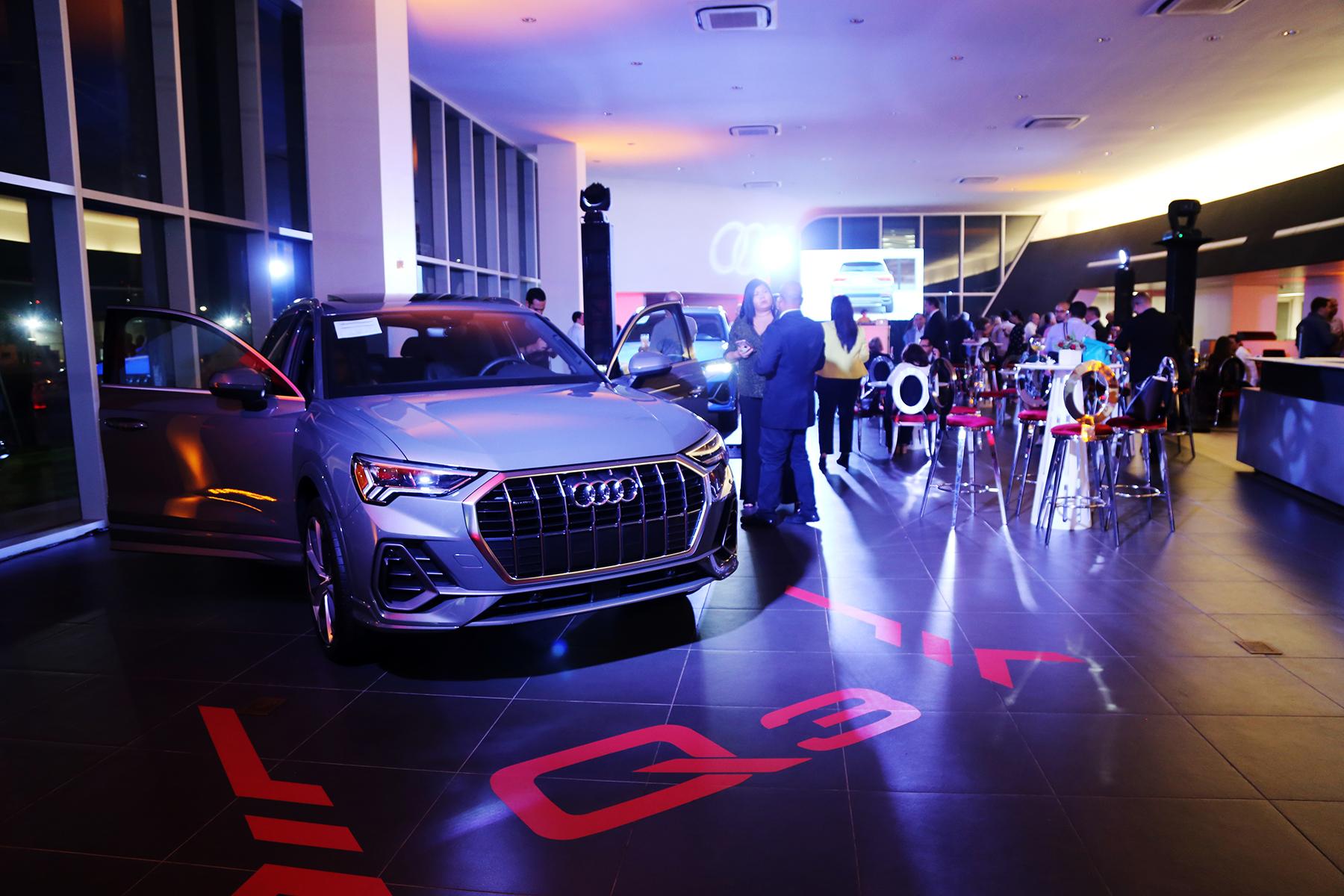 Al evento se dieron cita clientes, medios de prensa, blogueros y aficionados de la marca que anhelaban conocer la imagen fresca y renovada que ofrece el más reciente SUV de lujo. Foto Nichole Saldarriaga