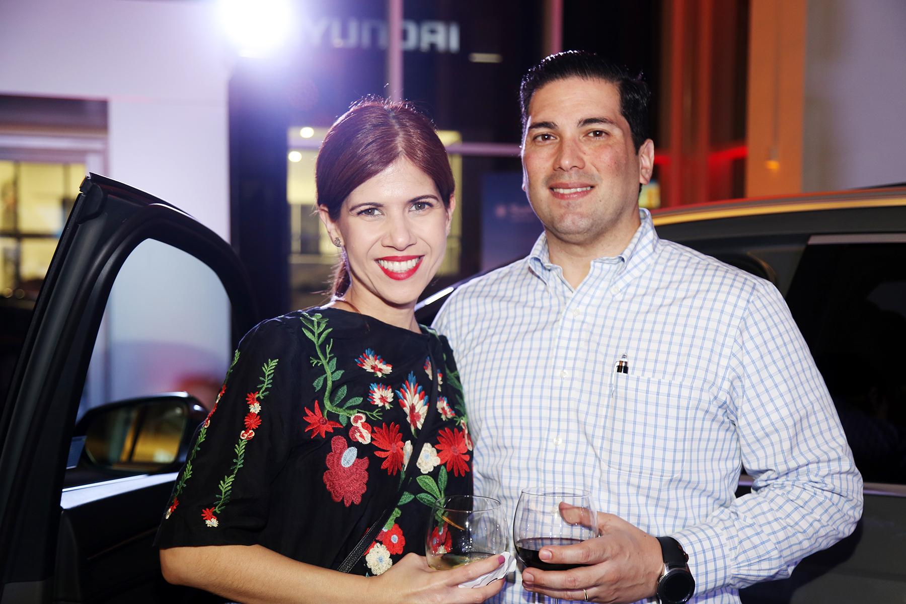 Gloria Pérez y Omar Feliú. Foto Nichole Saldarriaga