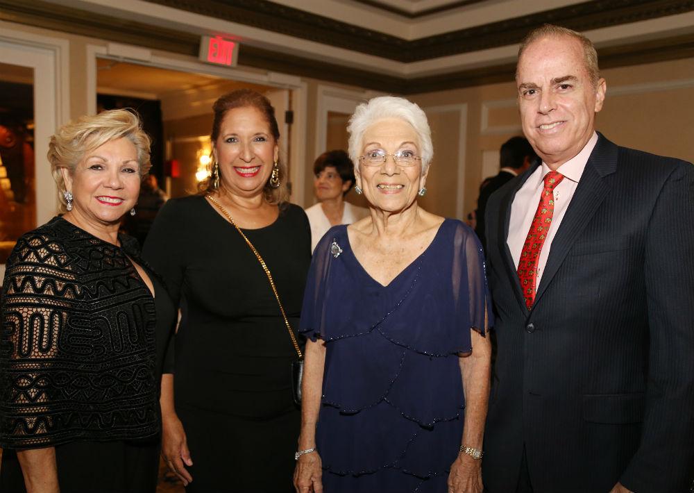 Aidita Gnocchi, Margarita Ramos, Ilia y Ramón Martínez (Foto: Nichole Saldarriaga)