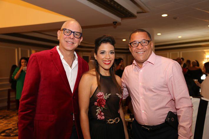Fernando Alcazar, Liz Marti y Victor Roque, en los Premios Cúspide 2017.