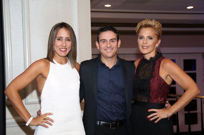 Verónica Vidal, Juan David Girona y Marta Siverio, en los Premios Cúspide 2017.