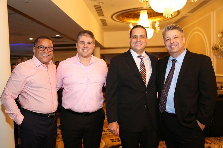 Victor Roque, Carlos Calancha, Sixto Pabón y Alex Alemán, en los Premios Cúspide 2017.