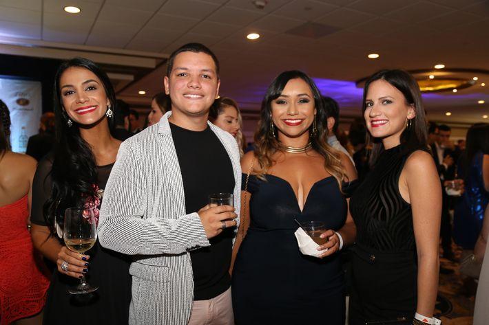 Shadee Daneshvar, Carlos Rodríguez, Jenny López y Liz Labrada, en los Premios Cúspide 2017.