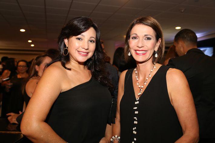 Claudia Toledo y Maggie Rodríguez, en los Premios Cúspide 2017.