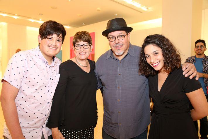 Joshua Pellicia, Eli Ortiz, Carlos Dávila Rinaldi y Carla Dávila, en la muestra Hábitat en Arte @ Plaza.