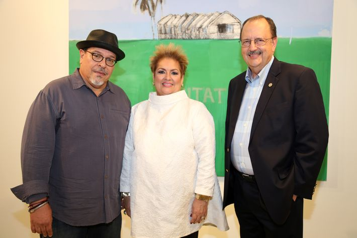 Carlos Dávila Rinaldi, Sylvia Villafañe y Jaime Fonalledas, en la muestra Hábitat en Arte @ Plaza.