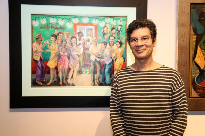 """Nick Quijano, en la inauguración de la exposición """"Encuentros / Desencuentros"""" en la sede de la Fundación Casa Cortés."""