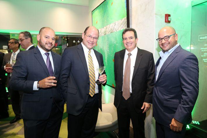 Jean Karlo y Franklin Rocafort, René López y Jean Paul Rocafort, en la inauguración de la Unidad de Platinum Banking y sucursal de FirstBank.