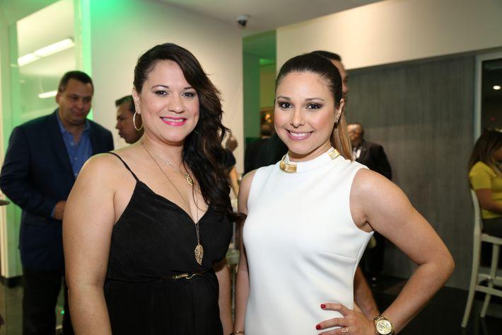 Emily Villafañe e Ileanecxys Quiñones, en la inauguración de la Unidad de Platinum Banking y sucursal de FirstBank.