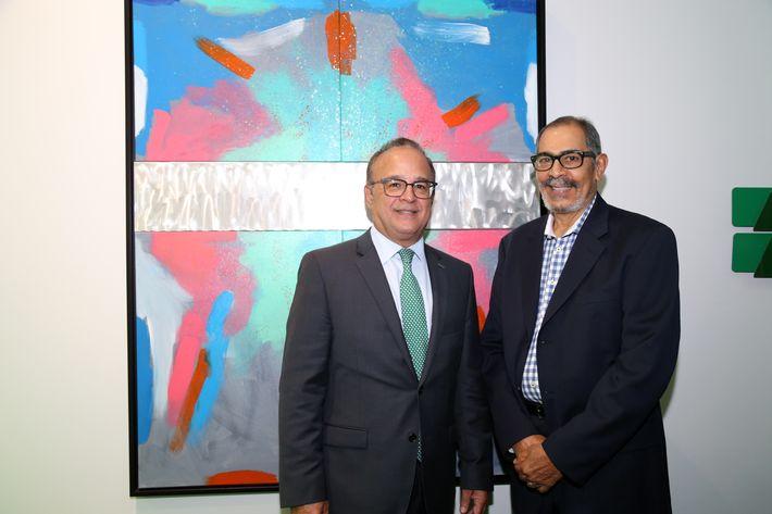 Aurelio Alemán y Ruben Ríos, en la inauguración de la Unidad de Platinum Banking y sucursal de FirstBank.